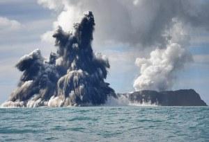 Rangkaian foto seri kelima letusan Gunung Api bawah laut. 18 Maret 2009. Fotografer Dana Stephenson(Dana Stephenson / Getty Images).