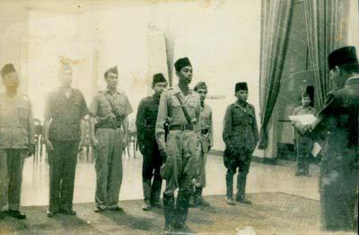 SEKILAS KISAH JENDERAL SUDIRMAN SAAT DIBIMBING ULAMA KH. BUSYRO SYUHADA (3/6)