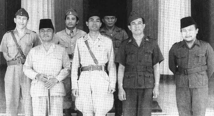 SEKILAS KISAH JENDERAL SUDIRMAN SAAT DIBIMBING ULAMA KH. BUSYRO SYUHADA (4/6)