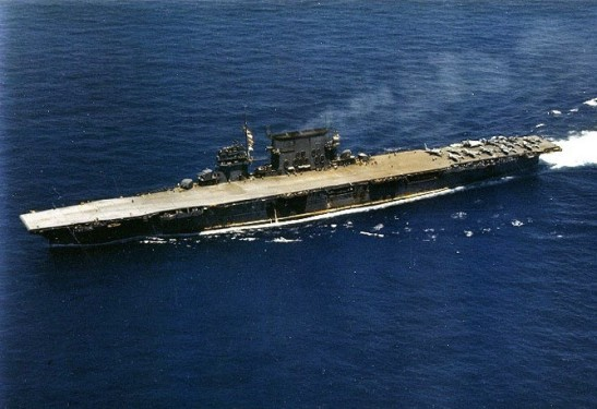 USS_Saratoga_CV-3_underway_1942